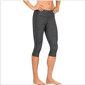 Athleta Chaturanga Capri Leggings Black XS